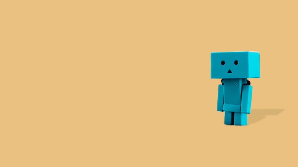 O chatbot entrega soluções e experiências com bom nível de personalização sem ter que ampliar seu quadro humano de atendimento e com constante coleta de dados e aprendizado.
